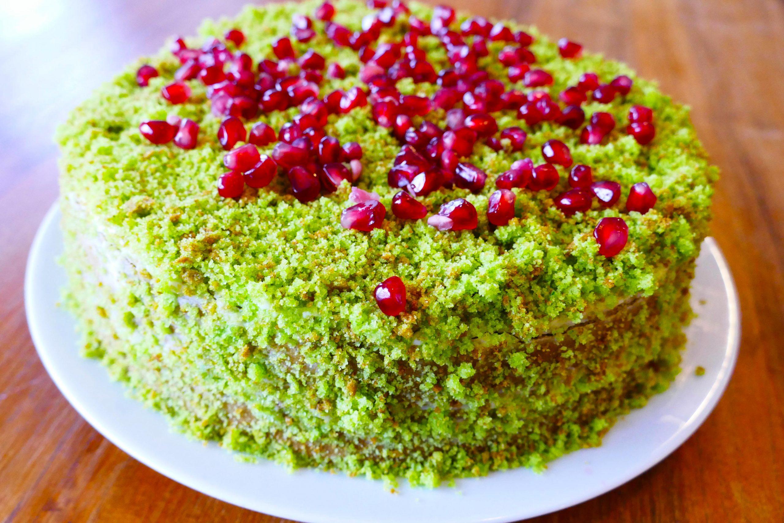 Malý mechový dort, průměr 16 cm - 330 Kč